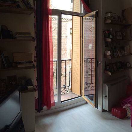 Rent this 1 bed apartment on Mar & Ola Seafood in Calle del Almendro, 25
