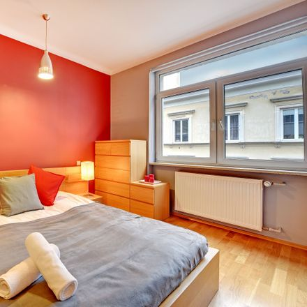 Rent this 3 bed room on Szpitalna 4 in 00-031 Warsaw, Poland