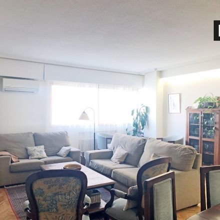 Rent this 3 bed apartment on Carril bici Santa Engracia in Jean Louis David, 28001 Madrid