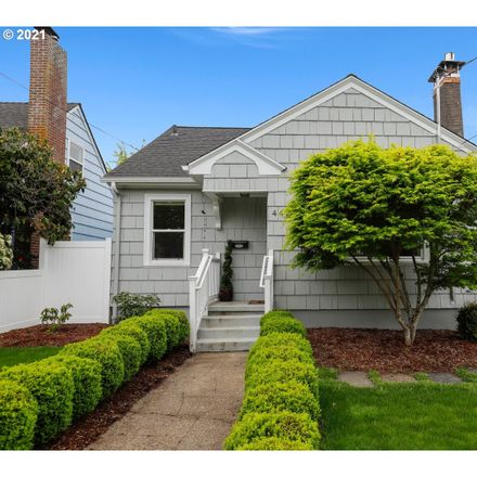 Rent this 3 bed house on 4429 Southeast 46th Avenue in Portland, OR 97206