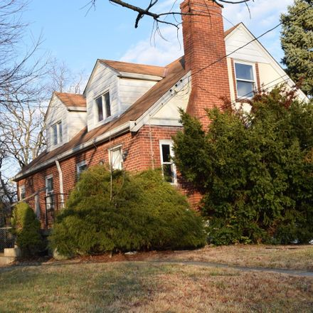 Rent this 3 bed house on 384 Bob Drive in Delhi, OH 45238