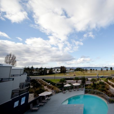 Rent this 1 bed apartment on 105/202 Beach Road