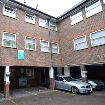 Rent this 2 bed house on Best One Minimarket in 114 Wellington Street, Luton LU1 5AF