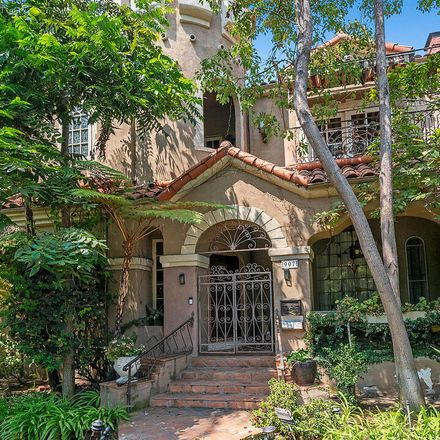 Rent this 3 bed apartment on 907 South Mansfield Avenue in Los Angeles, CA 90036