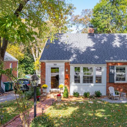 Rent this 4 bed house on 749 Newport Avenue in Webster Groves, MO 63119