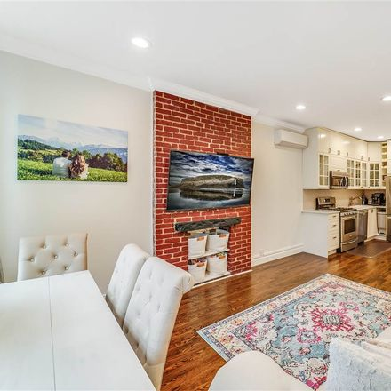 Rent this 3 bed apartment on Barrow St in Jersey City, NJ