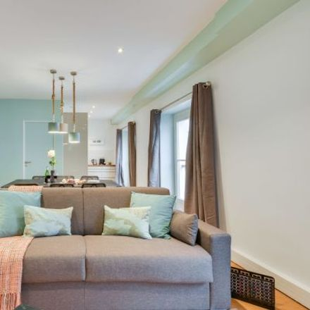 Rent this 4 bed apartment on 19 Rue Monsigny in 75002 Paris, France