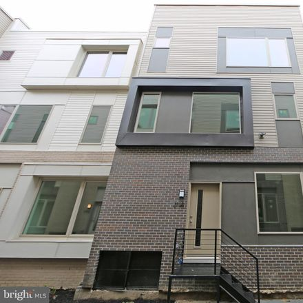 Rent this 3 bed townhouse on Kensington Ave in Philadelphia, PA