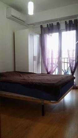 Rent this 4 bed room on Carrer Berenguer Montoliu in 5, 46011 València