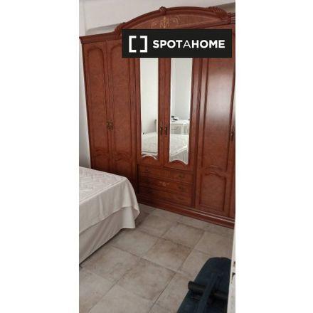 Rent this 2 bed room on Carrer de Daroca in 46019 Valencia, Spain