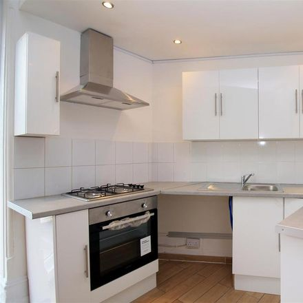 Rent this 2 bed apartment on Scizzor Sisters in Station Road, Hove BN3 4EH