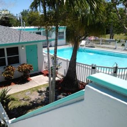 Rent this 1 bed apartment on Surf Style in 107th Avenue, Treasure Island