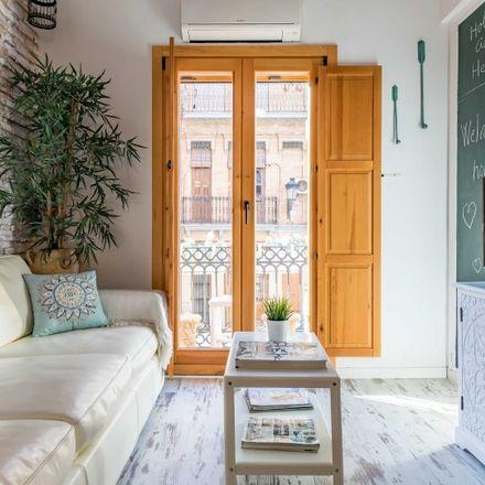 Rent this 1 bed apartment on Carrer de Josep Benlliure in 46011 Valencia, Spain