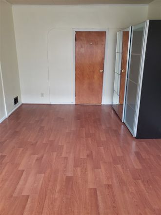 Rent this 3 bed apartment on 10 East 49th Street in Bayonne, NJ 07002