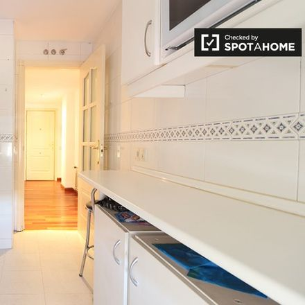 Rent this 2 bed apartment on Centro de Salud Jazmín in Calle del Jazmín, 33