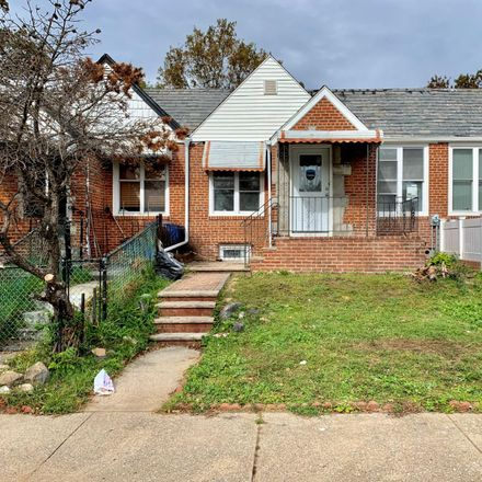 Rent this 3 bed townhouse on 17 134th Ave in Jamaica, NY