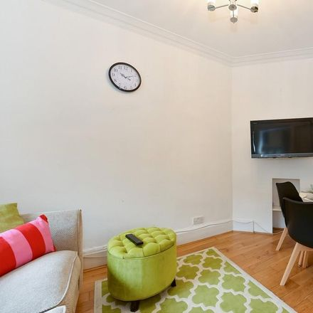 Rent this 2 bed apartment on Carlton Mansions in York Buildings, London