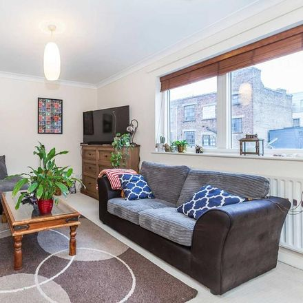 Rent this 1 bed apartment on London E1 6HR