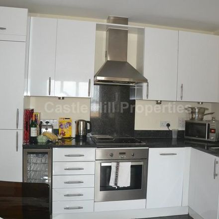 Rent this 1 bed apartment on Drayton Court in 1-83 Alexandria Road, London W13 0NW