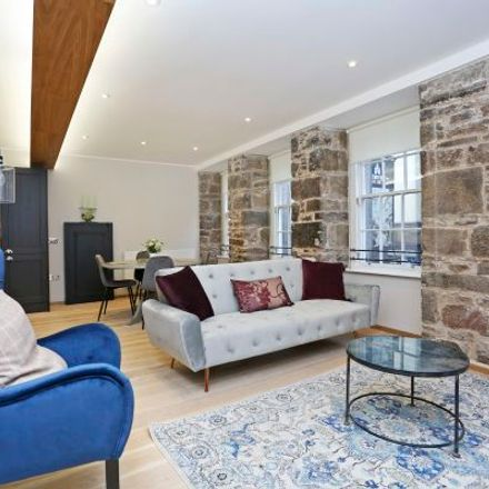 Rent this 3 bed apartment on 2 World's End Close in City of Edinburgh, EH1 1TD
