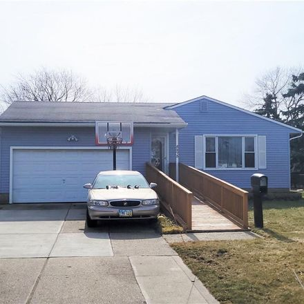 Rent this 3 bed house on 5273 Evelyn Drive in Garfield Heights, OH 44125