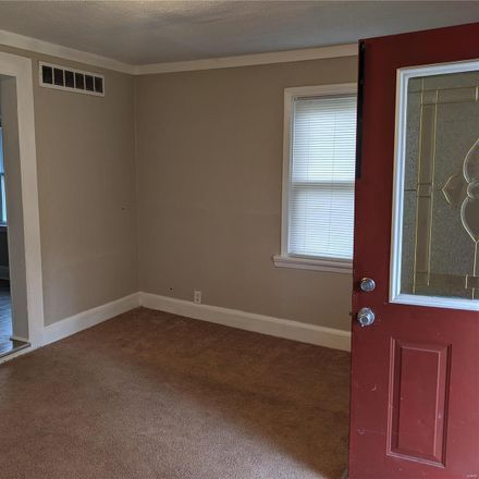 Rent this 3 bed house on 126 Madison Avenue in Rock Hill, MO 63119