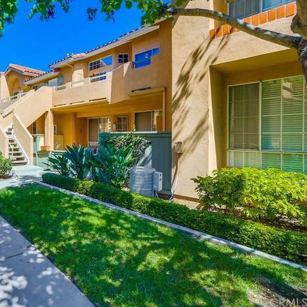 Rent this 1 bed townhouse on 113 Alberti Aisle in Irvine, CA 92614