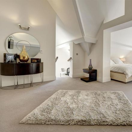 Rent this 3 bed apartment on Havanna Drive in London NW11 0BF, United Kingdom