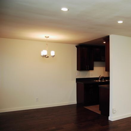 Rent this 1 bed apartment on 3605 Watseka Ave in Los Angeles, CA 90034