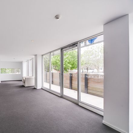 Rent this 1 bed apartment on 15/14 Spring Street