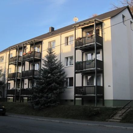 Rent this 3 bed apartment on Rothenbacher Straße 27 in 08371 Glauchau, Germany