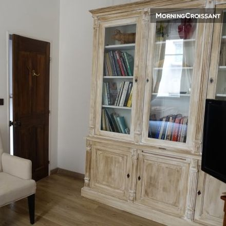 Rent this 3 bed apartment on 66 Rue du Limas in 84000 Avignon, France