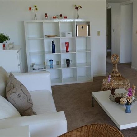 Rent this 2 bed condo on 12th St S in Saint Petersburg, FL