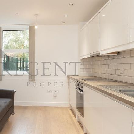 Rent this 1 bed apartment on Mitcham Cricket Green in London Road, London CR4 3UD
