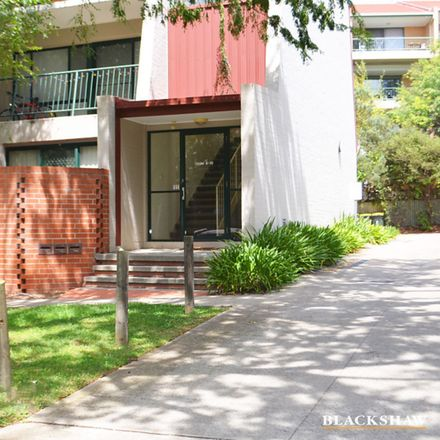 Rent this 2 bed apartment on 10/10 Ovens Street