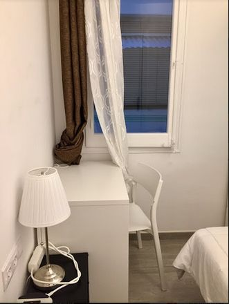 Rent this 4 bed room on Gran Via de les Corts Catalanes in 798, 08013 Barcelona