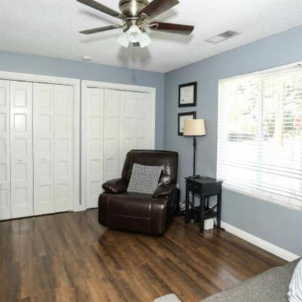 Rent this 1 bed room on 149 Park Street in Visalia, CA 93291