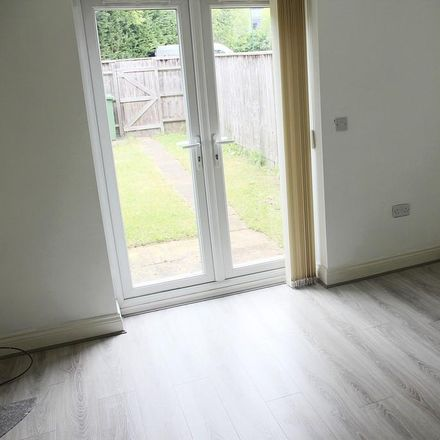 Rent this 2 bed house on Dyson Richards Funeral Directors in Snitterfield Drive, Solihull B90 4AZ