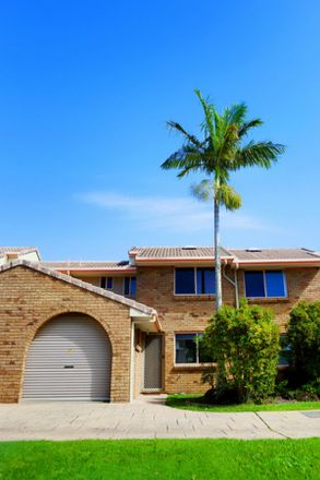 Rent this 2 bed townhouse on 8/291 Darlington Drive