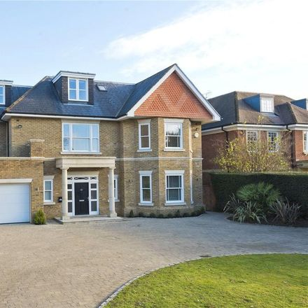 Rent this 5 bed house on Ashley Park Avenue in Walton-on-Thames KT12 1ER, United Kingdom