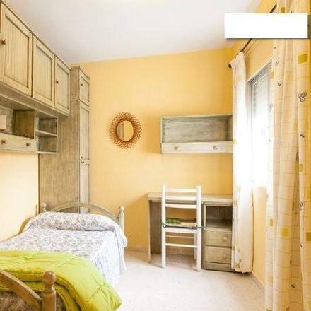 Rent this 3 bed room on Calle Galván in 11403 Jerez, Spain