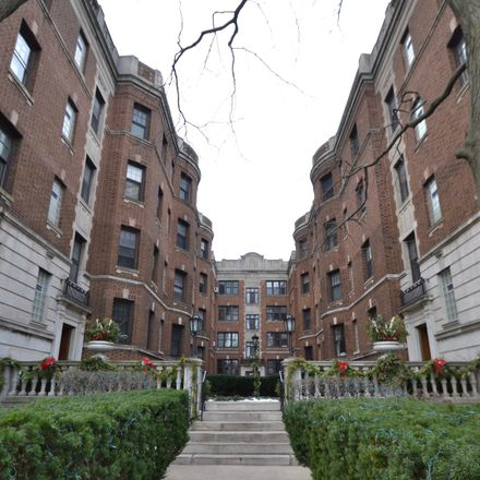 Rent this null bed condo on 2326 North Lincoln Park West in Chicago, IL 60614