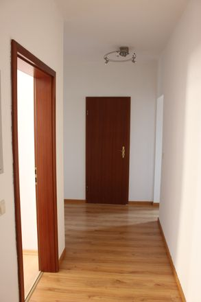 Rent this 3 bed duplex on Strehlaer Straße 4 in 04758 Oschatz, Germany