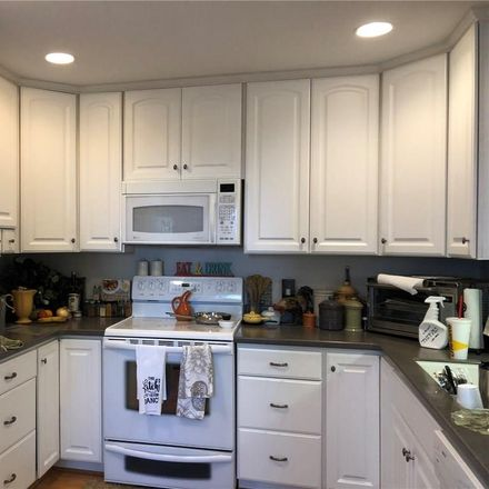 Rent this 2 bed duplex on 304 Russell Street in Portsmouth, VA 23707