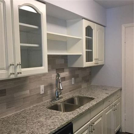 Rent this 2 bed condo on 1811 East Grauwyler Road in Irving, TX 75061