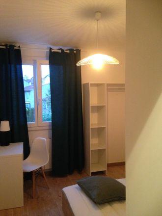 Rent this 3 bed room on 4 Impasse de la Barnière in 13010 Marseille, France