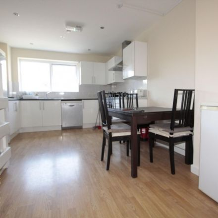 Rent this 5 bed room on Alice Shepherd House in Stewart Street, London E14 3JF