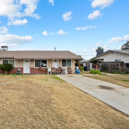 Rent this 3 bed house on 212 South Thompson Road in Tipton, CA 93272