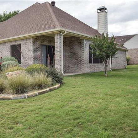 Rent this 3 bed house on Preston Ct in Granbury, TX