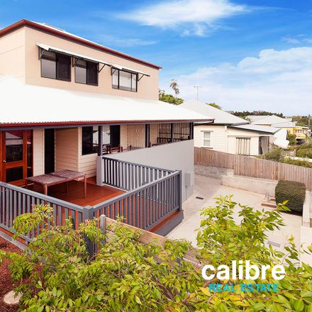 Rent this 4 bed house on 13/18 Peterson  Street